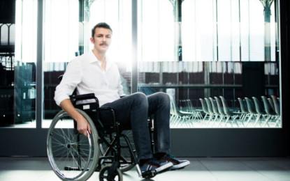 Prendre l'avion en situation de handicap : comment les compagnies aériennes peuvent vous accompagner ?